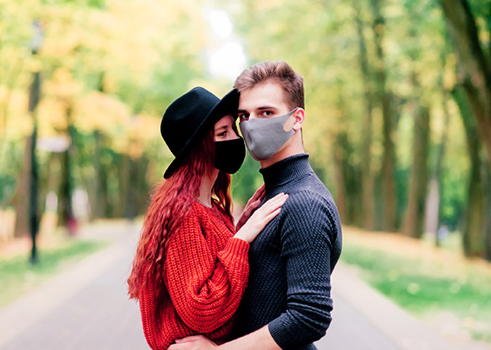 couple in mask